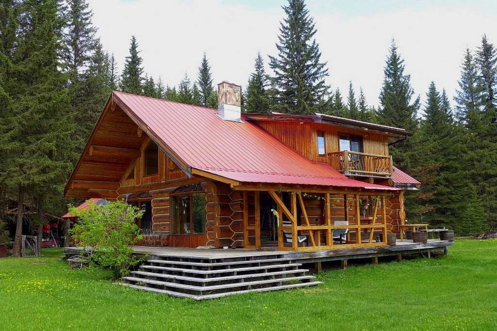 Sold Pioneer Log Home With 24 Acres On Horsefly River