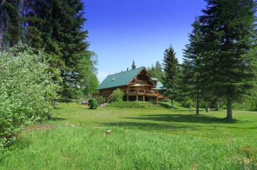 Waterfront log home on 11.6 acres - 6346 Leamont Place