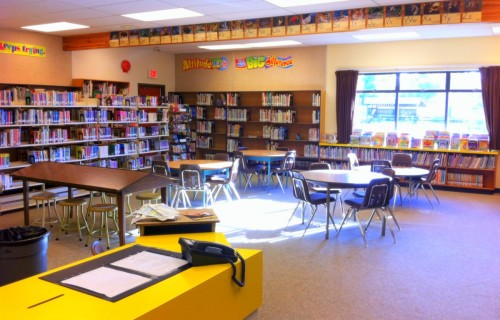 Well-stocked and cozy library in school